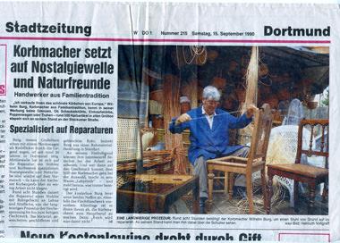Zeitungsartikel in der WAZ 15. Sep. 1990 über Korbmacher Rattanburg. Im Foto zu sehen Wilhelm Burg Senior.